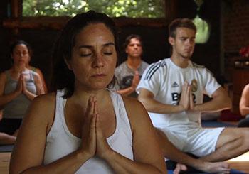 Le yoga, enseigné par Juan Laso